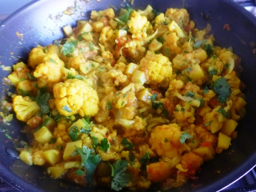 coriandre,gingembre,pommes de terre,cumin,curcuma,chou-fleur,garam masala,piment vert