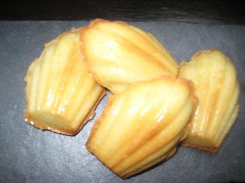 oeufs,levure,miel fleur d oranger,zeste de citron