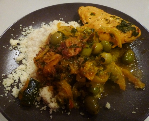 coriandre,poulet,gingembre,safran,olives violettes,citron confit au sel,courgette,dattes