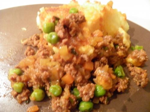 romarin,panko,agneau,haché d'agneau,fond d'agneau,cheddar,bintjes,pommes de terre,menthe,petits pois,worshestershire sauce,vin rouge