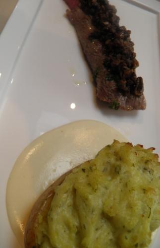 agneau,filet d'agneau,oseille,crème epaisse,morilles,vinaigre de xères,shery dry,cognac,fontina,bouillon de légumes
