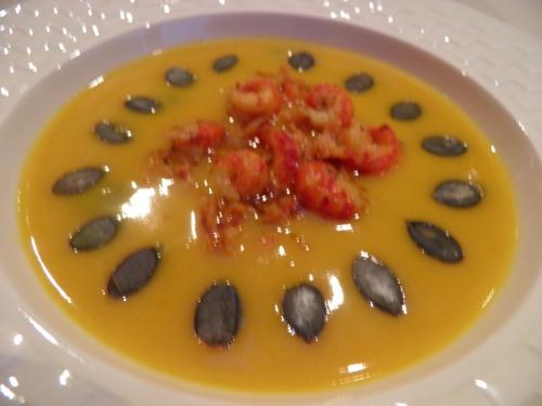 potimaron,butternut,muscade,safran,bouillon de volaille,ecrevisses,epices santa maria 'seafood and fish',ail,oignon,graines de courge
