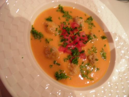 tomates,crème,carotte,poireau,oignon,céleri,ciboulette,bouillon de volaille,haché de veau,haché de porc,cayenne,paprika,curry,madère,chapelure
