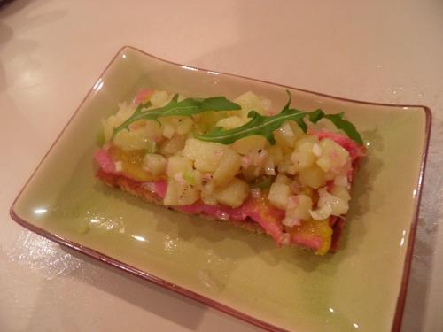 filet d'ardenne,pickles,pommes de terre,vinaigre cabernet sauvignon,jeunes oignons,mayonaise,roquette