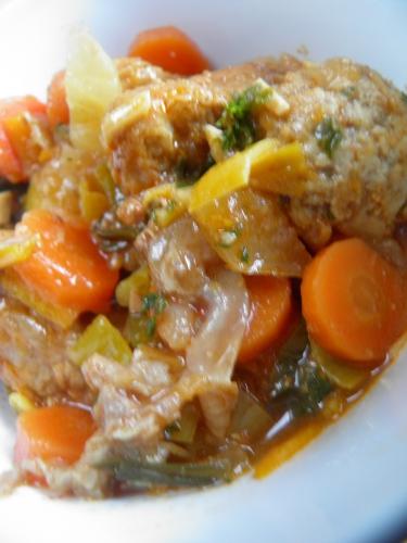veau,epaule de veau,pommes de terre,navets,carottes,fenouil,piment d'espelette,carvi,bergamote,oranges,poireaux,butternut,céleri,sauge,miel,gingembre,vin blanc sec,bouillon de volaille