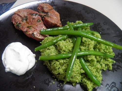 agneau,semoule,haricots verts,menthe,cresson de fontaine,basilic,persil plat,piment d'espelette,massala tandoori,poivron vert,yaourt grec,ail,citron vert