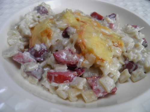 oignons,diots,saucissons,gésiers de canard,crozets de savoie,crozets,vin blanc sec,crème liquide,crème epaisse,munster