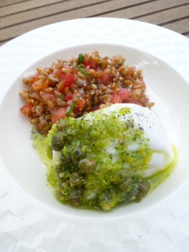 petit epeautre,tomates,oignon nouveau,basilic,citron,huile d'olive,ail,câpres,fleur de sel,burrata