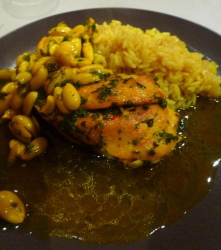 poulet,amandes,persil,oignons,riz,safran,cannelle,gingembre,beurre clarifié,huile d'olive