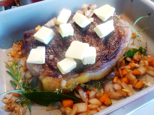 boeuf,dierendonck,simmenthal,romarin,laurier,thym,echalote,oignon,carotte,crème,pommes de terre,graisse d'oie,jmabon cru,ail,fleur de sel,moutarde,tierentyn,fond de veau,oignons doux,parmesan