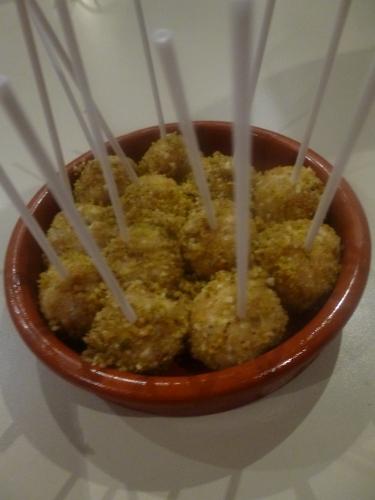 crottins de chèvre,miel,poire,amandes,noix,raisins secs blonds,pistaches