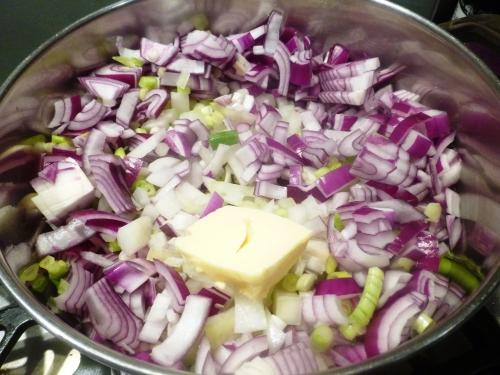 pommes de terre,oignons rouges,oignons jaunes,jeunes oignons,muscade,faisan,bouillon de volaille,fond de volaille,fond de veau,sherry,mirin,sauce soja,boudin noir,crème,echalote