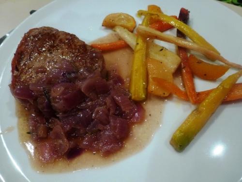 charolais,boeuf,prosciutto,jambon cru,oignons rouges,romarin,karmeliet,carottes,navets boule d'or,panais,miel de romarin,ail