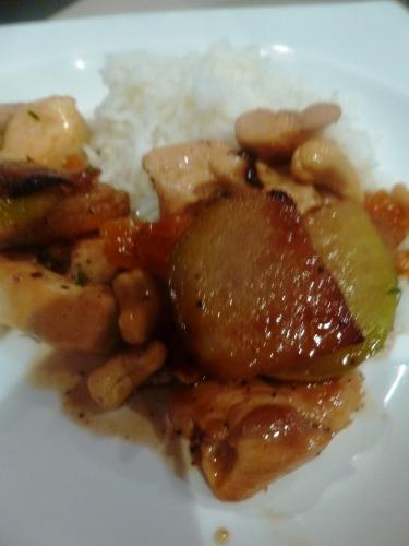 poulet,chou-rave,abricots secs,noix de cajou,fond de volaille,sirop d'erable,thym,citron