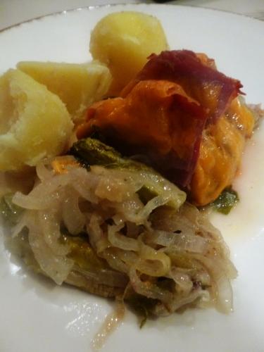 filet mignon de porc,porc,jambon de bayonne,cheddar,oignons,coeurs de laitue,sauge,thym,laurier,vin blanc