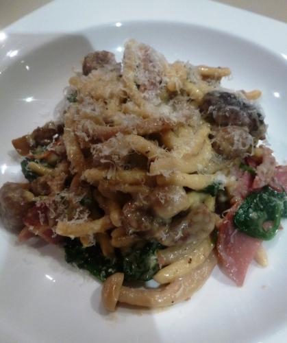 schupfnuedle,epinards,châtaignes,champignons,champignons de paris,shiitake,shimeji,lomo iberico,noilly prat,bouillon de champignons,crème,oeufs,beurre,parmesan