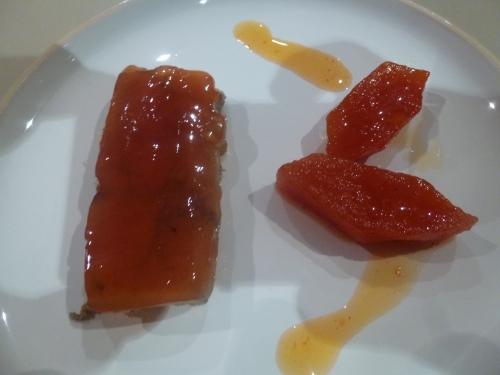 foie gras de canard,cognac,sherry,banuyls,riesling,sel,sucre,quatres epices,muscade,coings,citrons,gingembre,girofle,safran,beurre,pectine,agar-agar