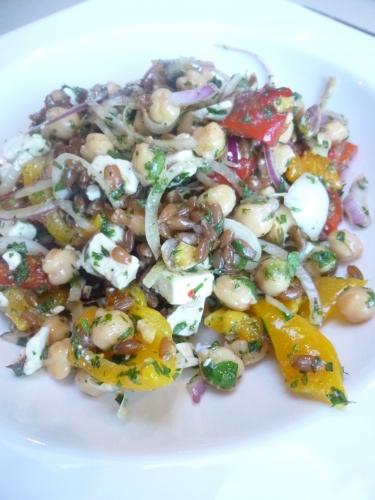 poivrons,epeautre,citron vert,pois chiches,feta,oignon rouge,pistaches,baies inca,persil,coriandre,menthe