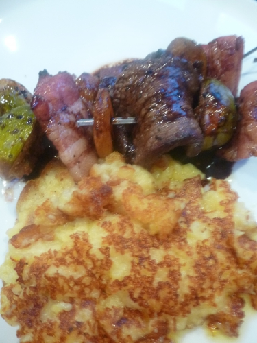 pommes de terre,gros sel,beurre,beurre clarifié,muscade,lard fûmé,figues,picanha,miel,sauce soja,sauce teriyaki,vinaigre balsamique,citron vert,5 épices