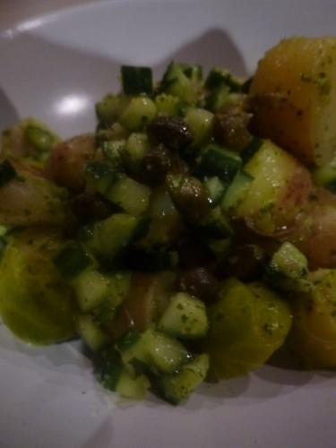 rattes,concombre,câpres,choux de bruxelles,coriandre,sucre,gingembre,ail,huile d'olive,citron vert