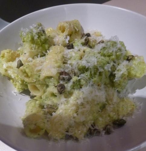 Elicoïdale, Chou Romanesco, Câpres, Lait d'amandes, Citron, basilic, amandes, piment, parmesan, ail, huile d'olive,